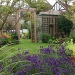 Cacher une cabane de jardin